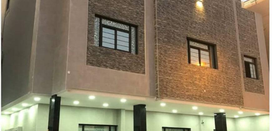 للبيع مبنى إستثماري يتكون من 2  دور بمنطقة سند