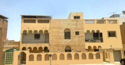 للبيع فيلا سكنية تتكون من تسع غرف نوم، كبيرة بمنطقة  مدينة عيسى، بقيمة -/ 200,000 دينار وقابل للتفاوض