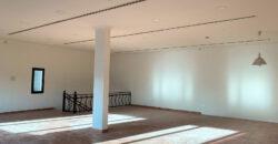 للإيجار ورشة / محلات تجاري (خلف وكالة تويوتا)، بمساحة متر 220.00 مربع، بمنطقة توبلي الصناعية قيمة الإيجار -/ 850 دينار بالشهر
