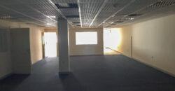 للإيجار مكتب تجاري بمنطقة الرفاع الشرقي، بمساحة 400.00 متر مربع تقريباً، سعر الإيجار -/ 800 بالشهر