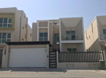 Luxury villa for sale located in Amwaj Island