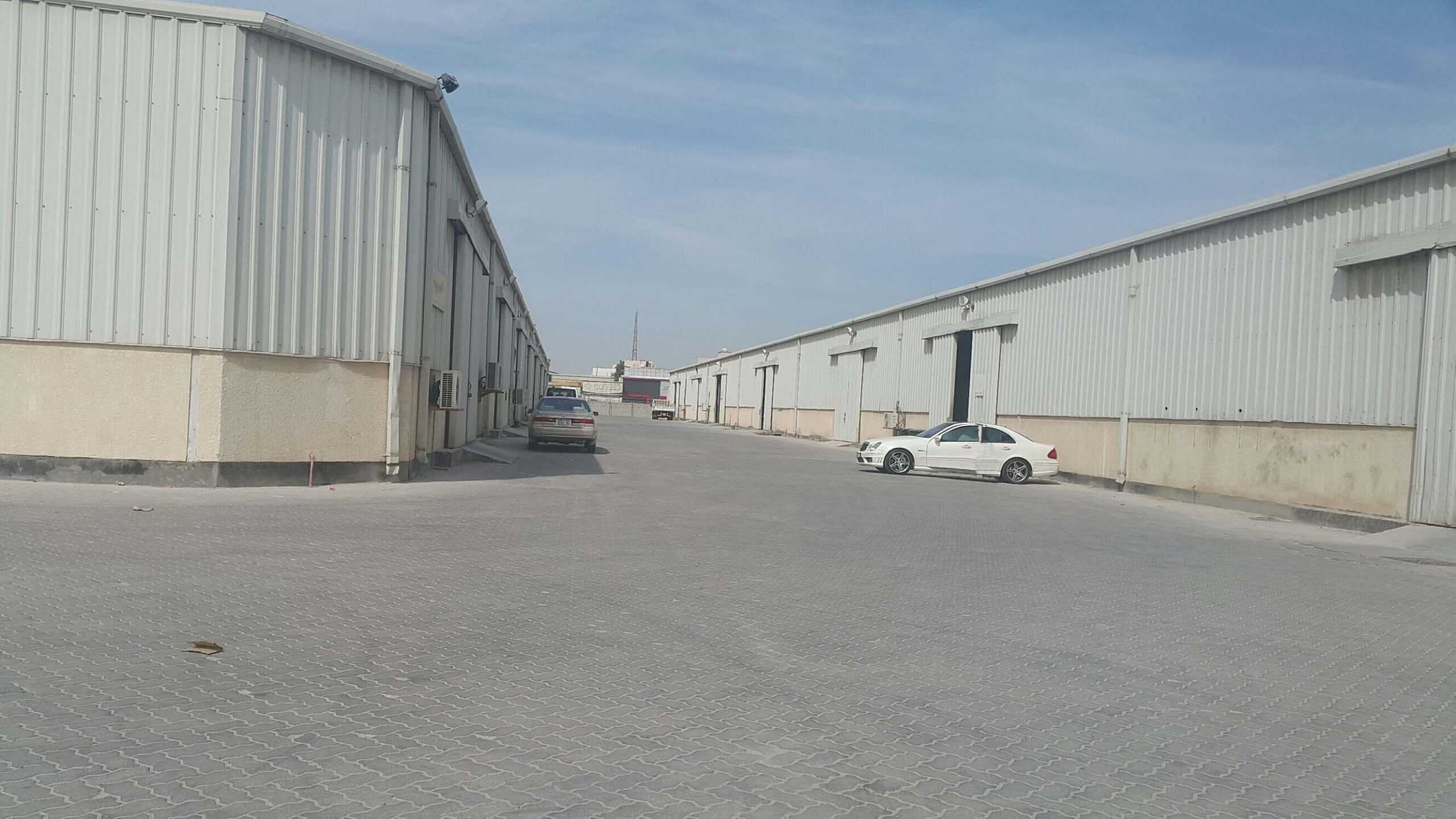 Warehouses for rent located East Riffa