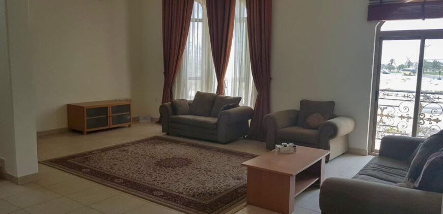 للإيجار فيلا سكنية  راقية تتكون من 5 غرف نوم، ومفروشة كامل، بمنطقة عالي بالقرب من ممشى عالي، قيمة الإيجار -/ 1500 دينار بالشهر وقابل للتفاوض