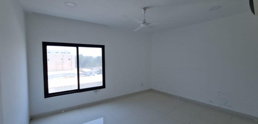 للإيجار مكتب تجاري بمنطقة توبلي