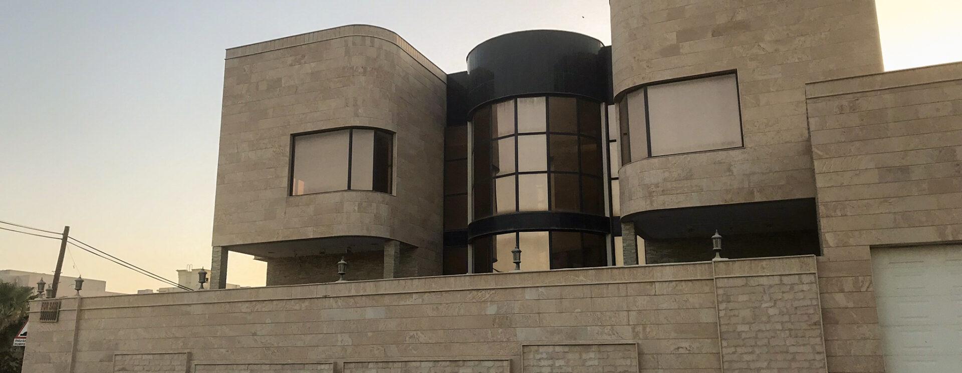 Luxury villa for sale located in Bani Jamra