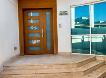 Villa for sale with four master's bedrooms, located in Amwaj
