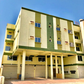 Building for rent with 3 Stories located in Sanad
