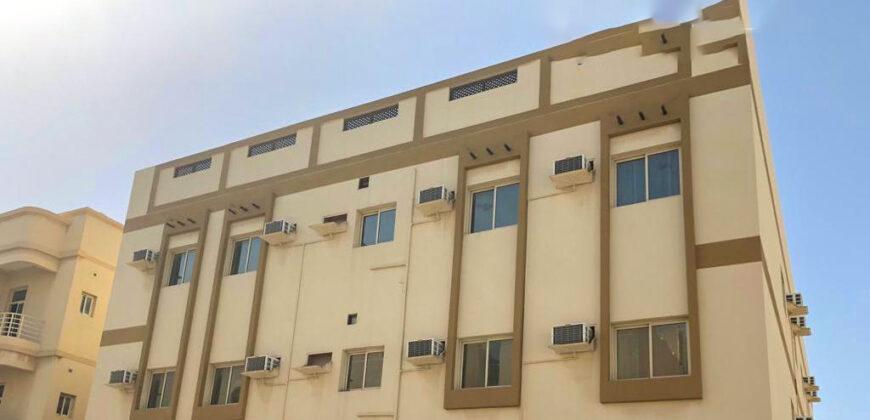 للبيع مبنى إستثماري يتكون من 15 شقة سكنية ' طابقين بمنطقة سند