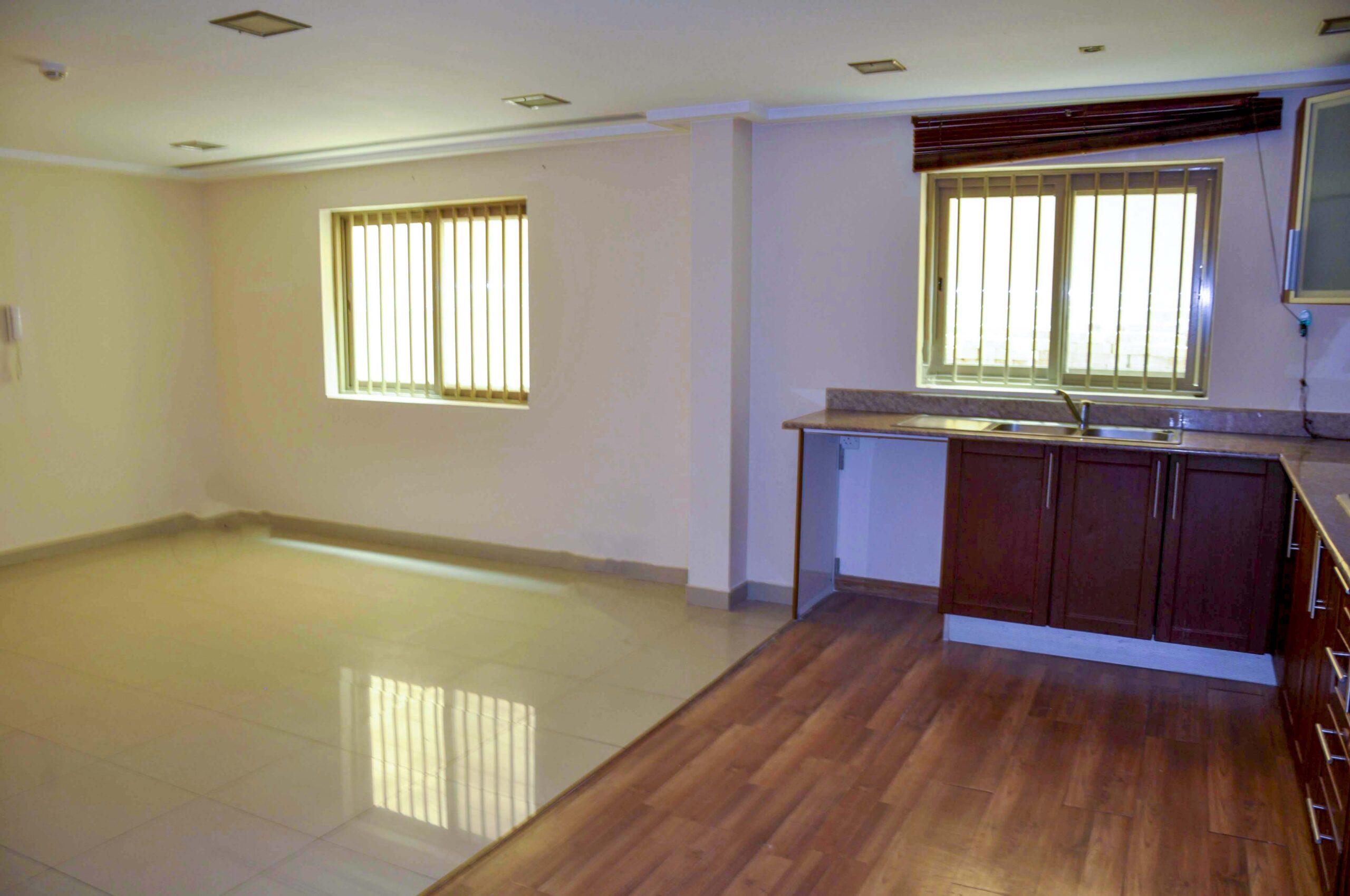 للإيجار شقة سكنية فاخرة نصف مفروشة بمنطقة أبو قوه (سرايا 2)  قيمة الإيجار -/ 260 دينار بالشهر