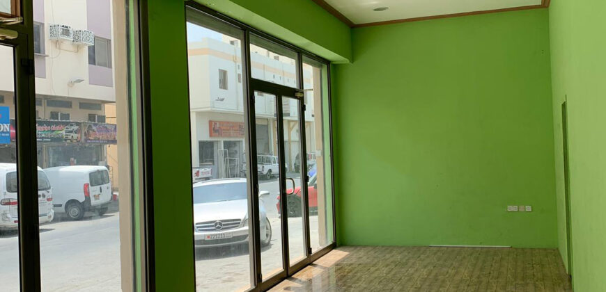 للإيجار محلات / الورشة (معرض تجاري)، بمساحة متر 260.00 مربع، بمنطقة توبلي الصناعية قيمة الإيجار -/ 800 دينار بالشهر