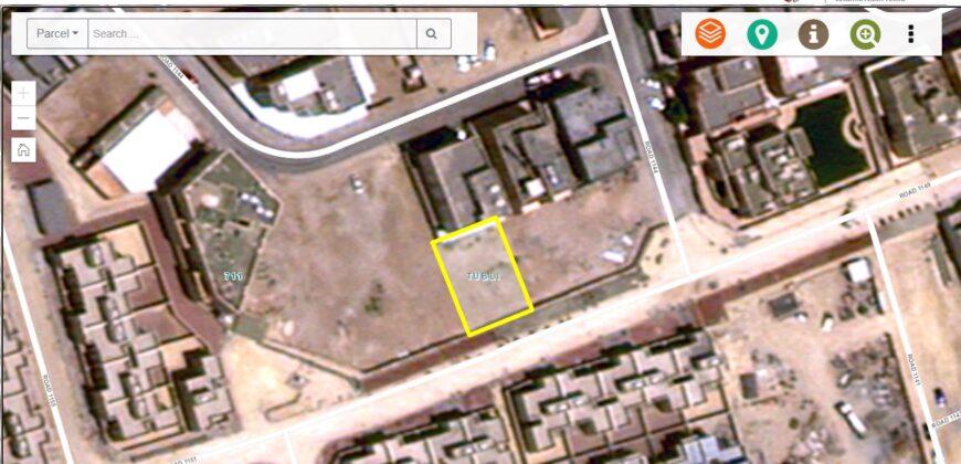 للبيع أرض سكنية في توبلي  ( بالقرب من الممشى)