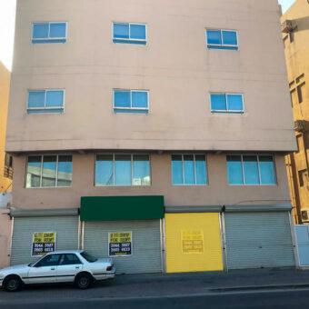 Showroom for rent in Zinj Town