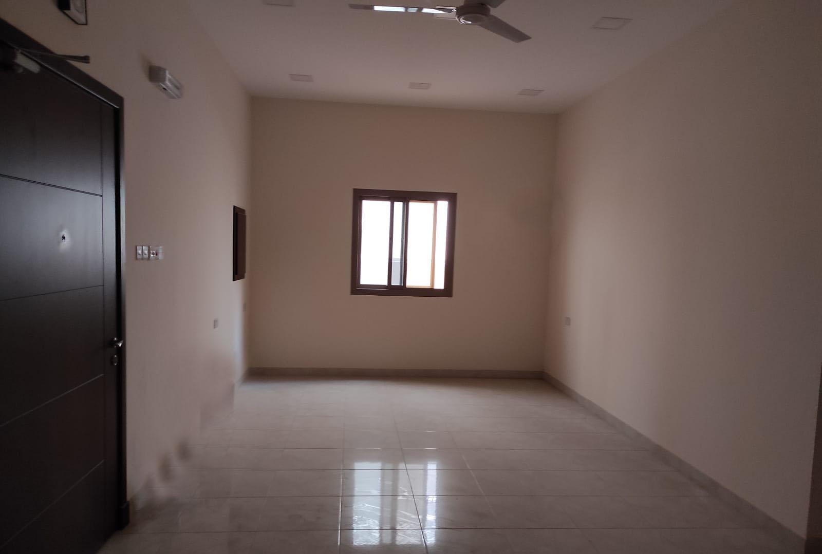 للإيجار مكتب تجاري بمنطقة جرداب